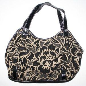 Beautiful black and tan Relic purse